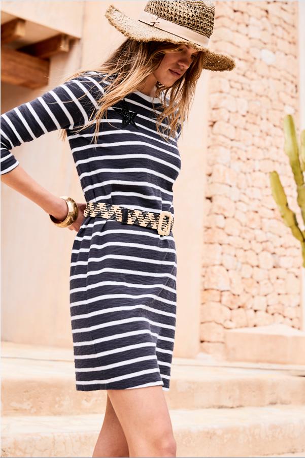 Maritim wirkendes Kleid aus elastischem Material mit ...