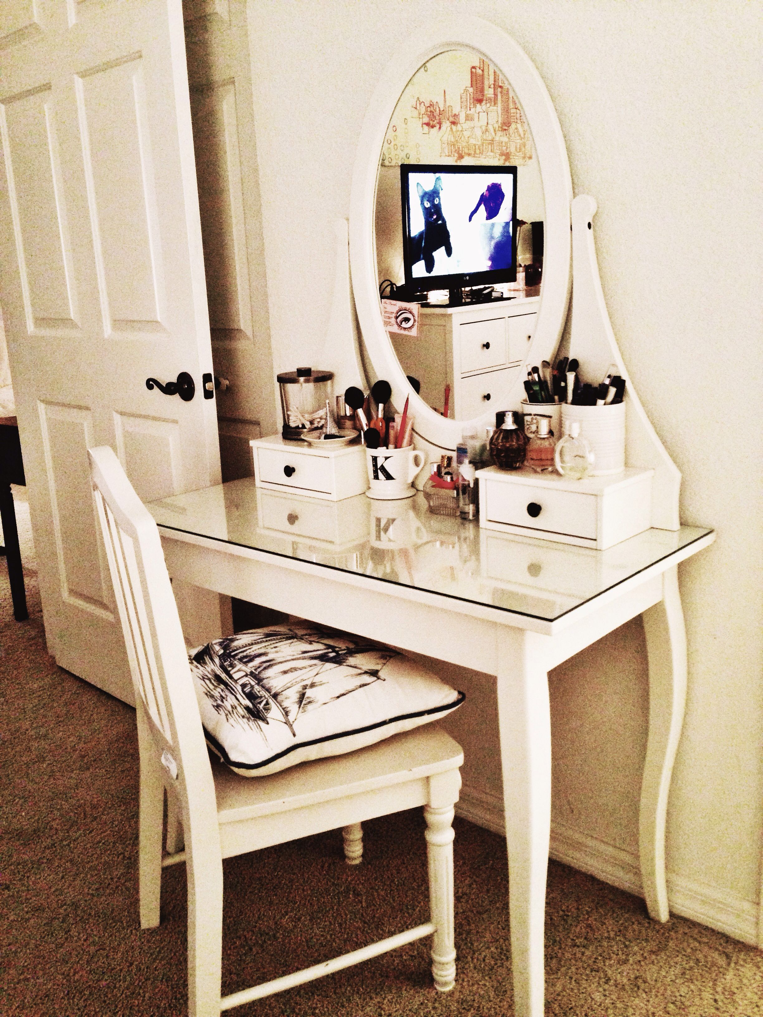 My new hemnes dressing table from ikea yay hamnes for Ikea hemnes vanity table