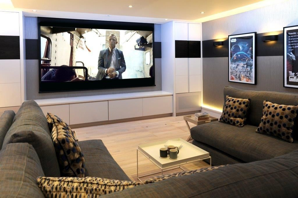 cinema room u shaped sectional sofa perfectly finishes off this really cool cinema room see. Black Bedroom Furniture Sets. Home Design Ideas