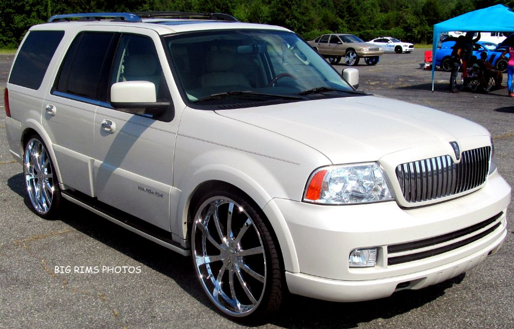 Lincoln Navigator On 28 S Lincoln 28 Inch Big Rims Big Wheel