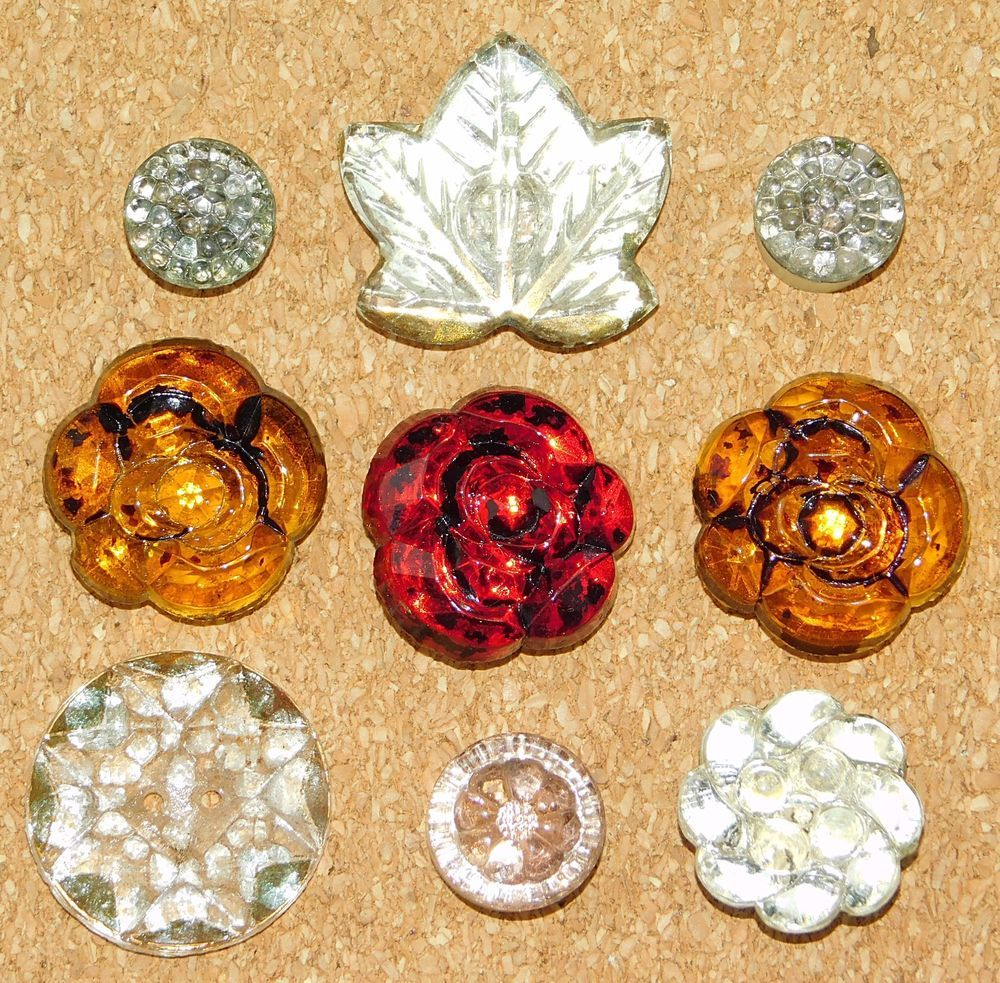 """Set of 4 Vintage 3//4/"""" Red Crystal  Starburst Glass Buttons~Pre WWII~ 1920"""