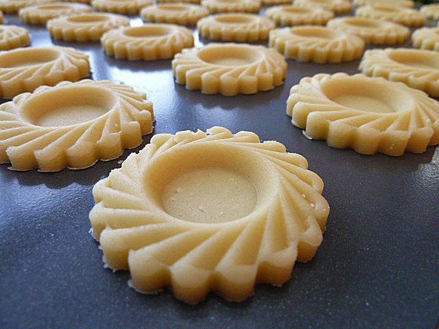 Homemade Pineapple Tarts Recipe Resepi Kuih Tart Recipe Dessert Recipes Tart Recipes Pineapple Tart