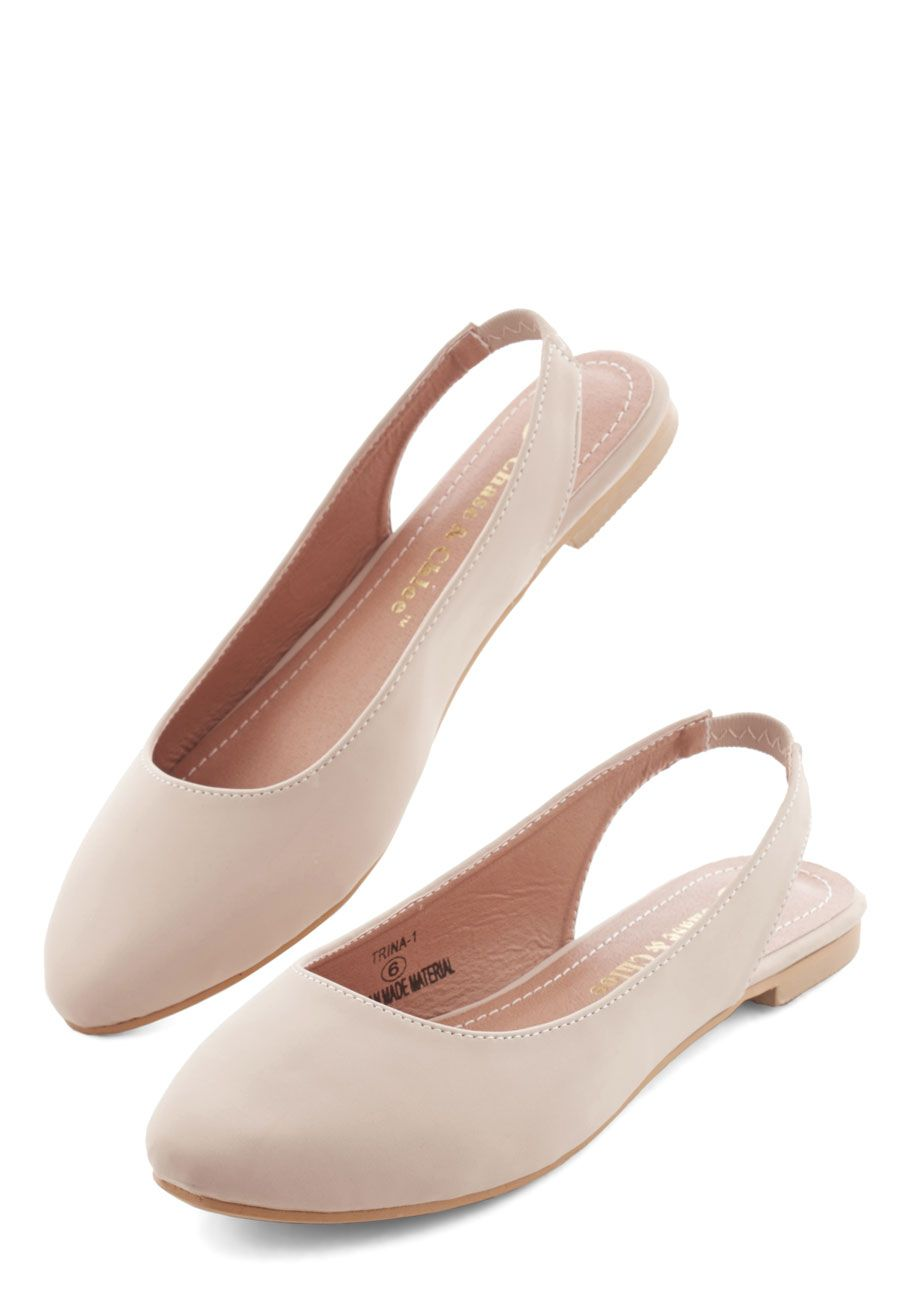28fdbb44fd8 Go-To Glamour Flat in Beige. Day in and day out