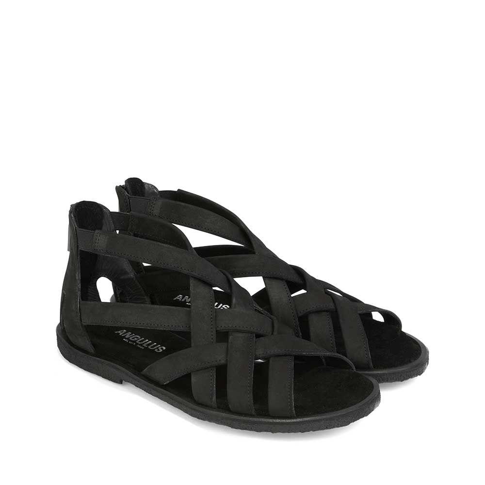 Sandal m. flettede remme