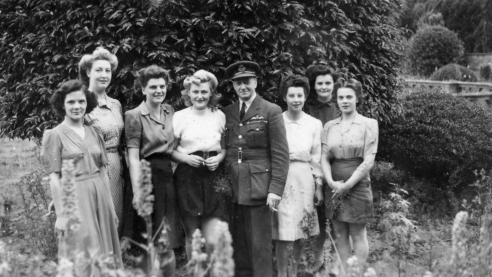 1940 S Hairstyles And Fashions Photograph Taken At Easton