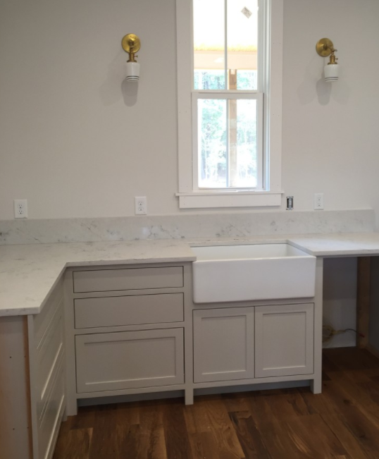 found this photo of cabinets painted benjamin moore on benjamin moore kitchen cabinet paint id=75627