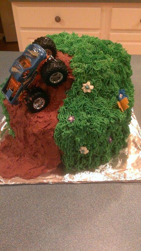 Off roading grooms cake