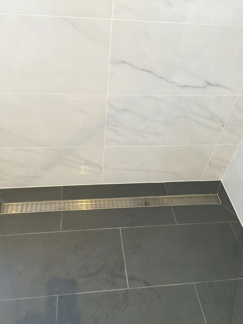 Bathroom tiles gloss marble walls