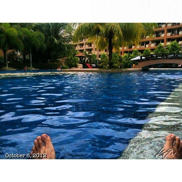 家の掃除終わったから水泳の時間 Finish Ran The House Now Swimming Time Pool Swim Philippines フィリピン プール With Images Outdoor Outdoor Decor Pictures