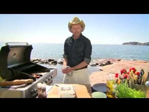 Katso resepti: Broilerin minuuttipihvit ja BBQ-hedelmät - K-market