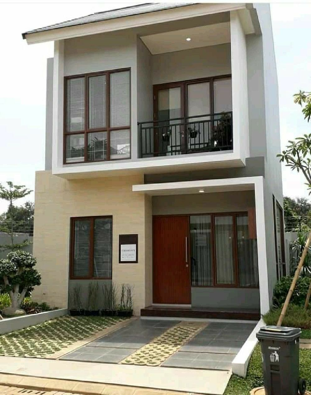 45 Modern Exterior Paint Color Ideas For Your Small Dream House In 2020 Small House Design Exterior 2 Storey House Design Small House Design Philippines