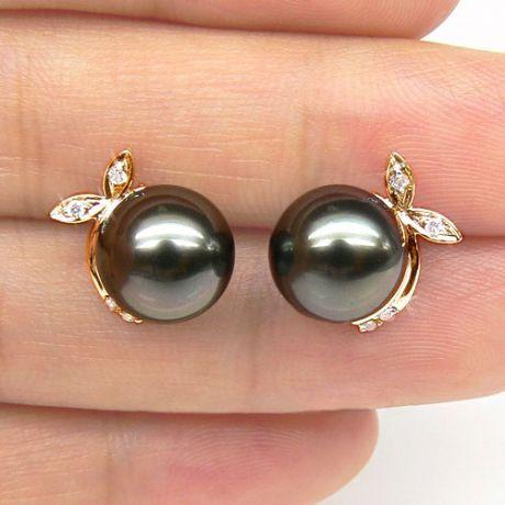Boucles doreilles Bunny – Perles de Tahiti, or jaune, diamants sertis