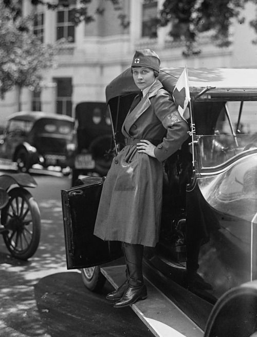 great image of a female driver for the Red Cross Motor Corps, 1917.