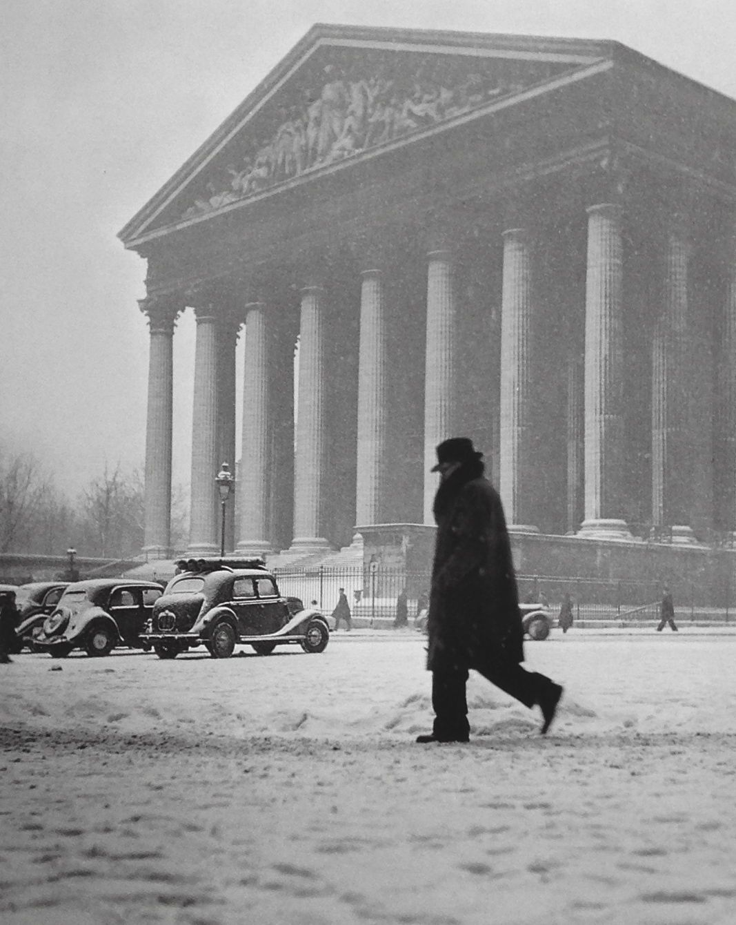 place de la madeleine 1945 paris places i 39 ve been places i might find myself pinterest. Black Bedroom Furniture Sets. Home Design Ideas