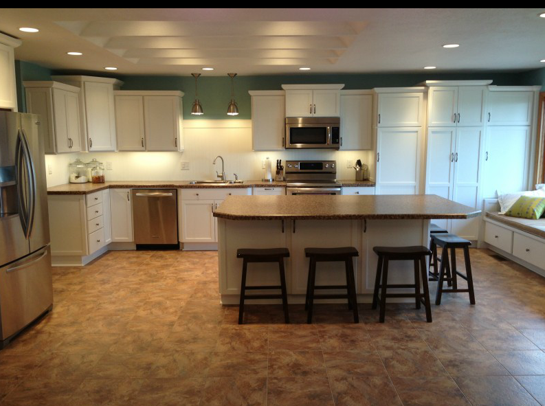 Best Thomasville Cabinets Island With Seating And Storage 400 x 300