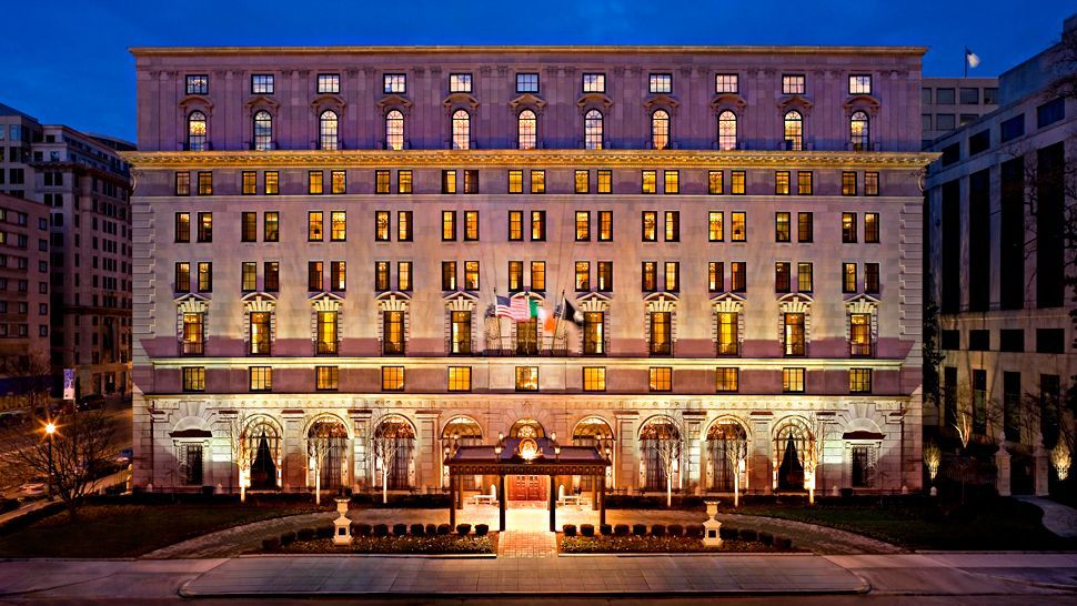 Washington Dc Hotels >> The Beautiful St Regis Hotel From Washington D C Wedding