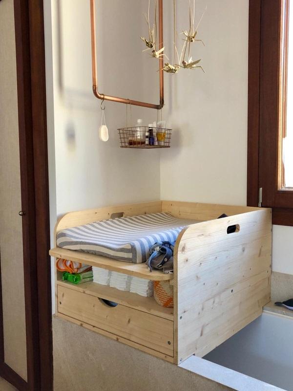 Wickelaufsatz für Badewanne aus Holz – mit Schublade und Ablage oben (BAS)