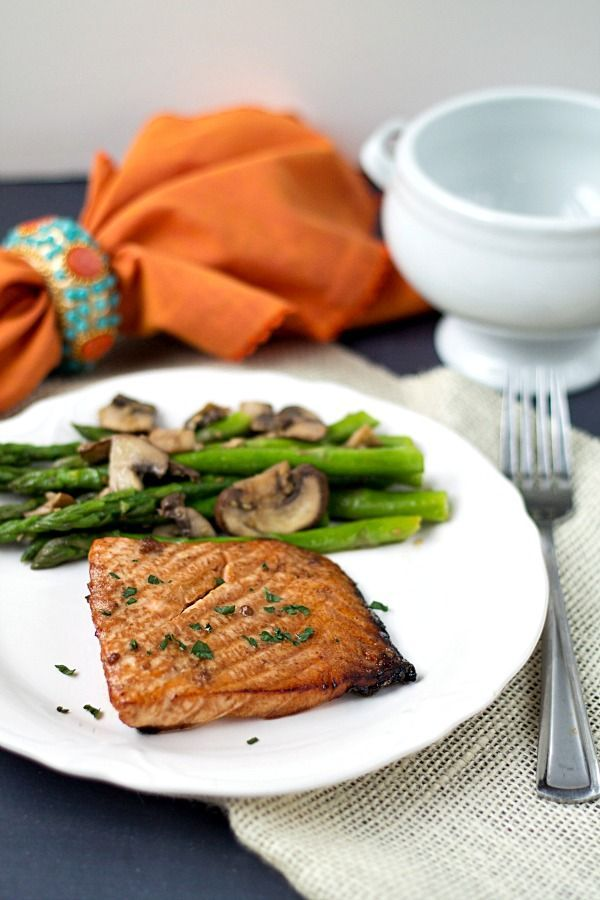 Teriyaki Salmon with Sesame Asparagus - This Gal Cooks. Tasty salmon marinated in teriyaki sauce, grilled to perfection. Served with sesame asparagus. #dinner #lowcarb