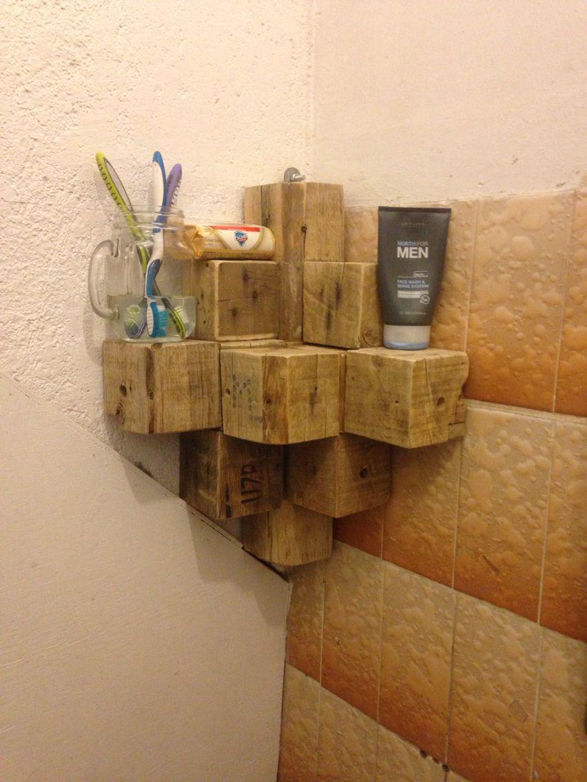 Esquinero de cubos de madera de una palets ideas for Deco en palet de madera