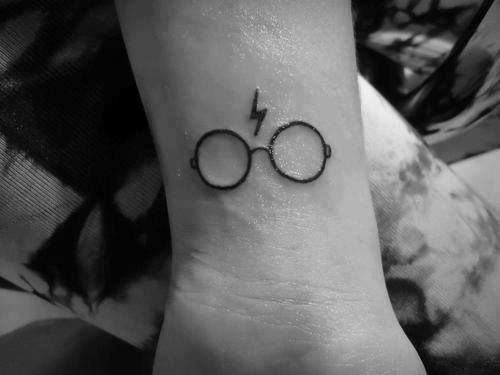 Glasses And Lightning Bolt Representing Harry Potter In It S Real For Us Tattoo 2 Harry Potter Tattoos Tattoos Harry Potter Tattoo
