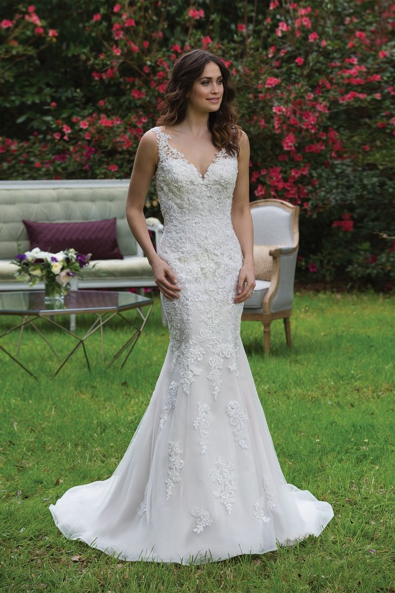 Fit and flare lace wedding dress  Sincerity Bridal  Style  VNeck Fit and Flare Tulle Gown with