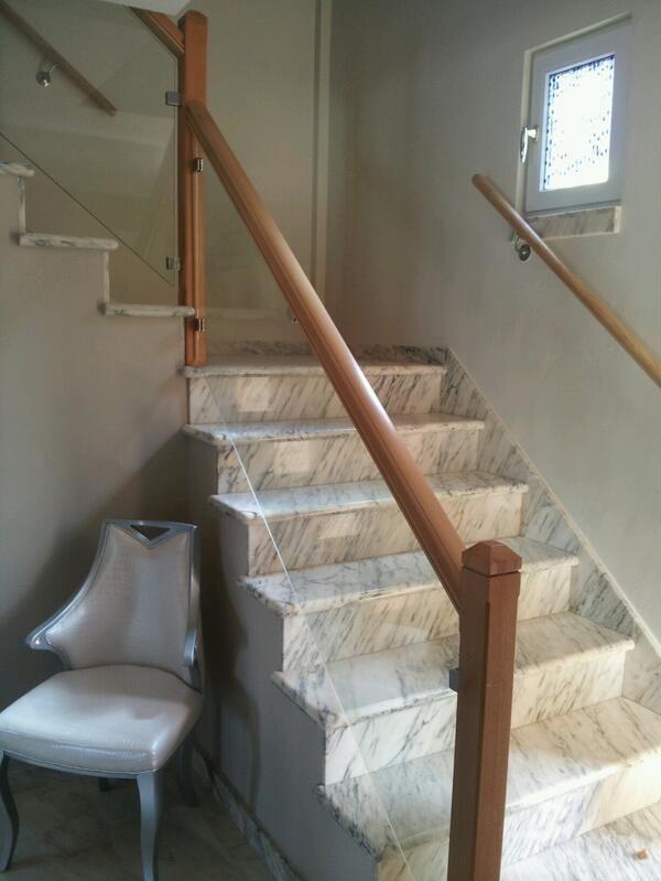 Barandilla de escalera con madera y vidrio tenerife - Escaleras de cristal y madera ...