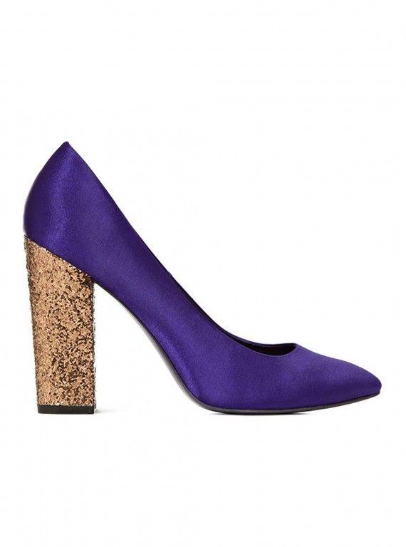 Zapato morado con tacón brilli que puedes combinar con LBD o LWD. Tu eliges #dress #shoes #purple #gliter #Xmas #fashion