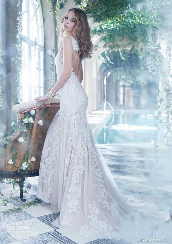 In our presentation of the different types of Mermaid Style Wedding ...
