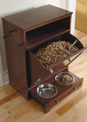 Enjoy the convenience of food, leash, and toy storage, plus a feeding station.