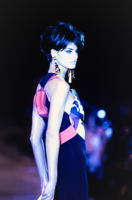 87f69eea5339de Versace Spring 1991 Ready-to-Wear Fashion Show in 2019 | Spring 1991 ...