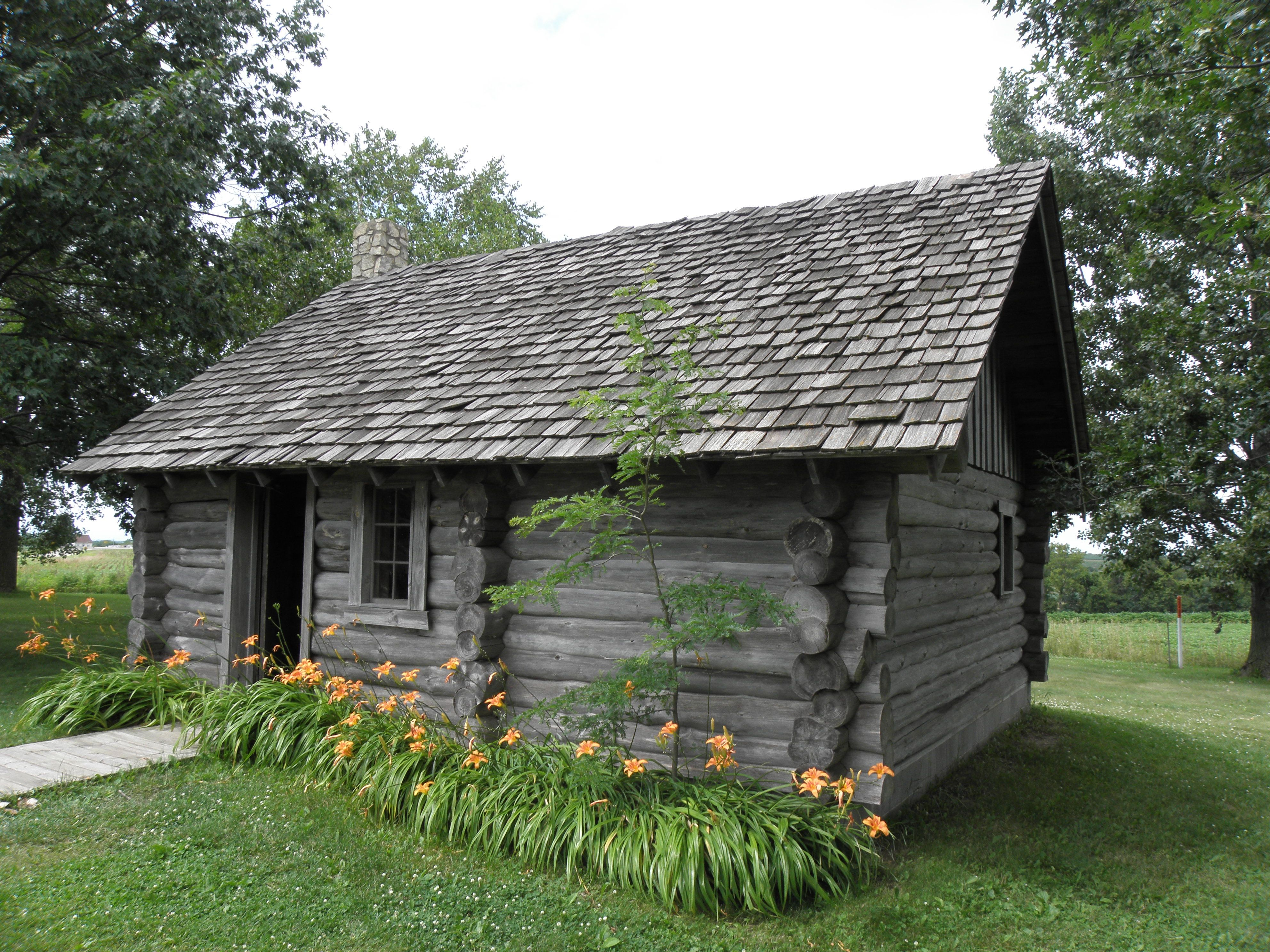 Replica of Laura Ingalls Wilder\'s log house in \
