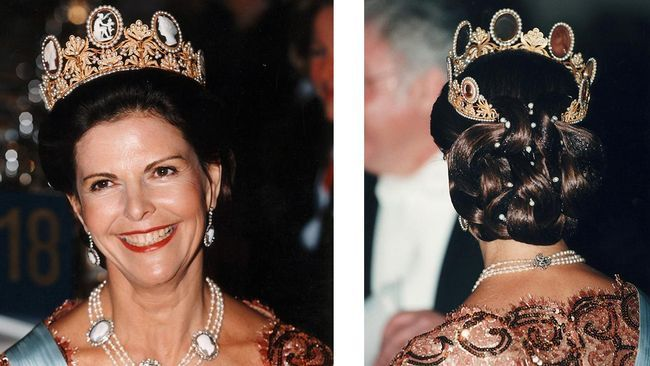 """Silvia, 1998. """"Här tycker jag att drottningens hårfärg ska vara brunare, som i hennes yngre dagar. Svart eller mörkbrunt är för hårt mot hennes ansikte. Speciellt när hon har håret uppsatt, då blir känslan hård. Håret är mindre än vanligt, vilket är fint. Men återigen är det för mycket med pärlor i frisyren. Det hade varit snyggare utan. Less is more. Jag älskar tiaror som bär med sig lite historia och arv."""" Claudio Bresciani/TT"""