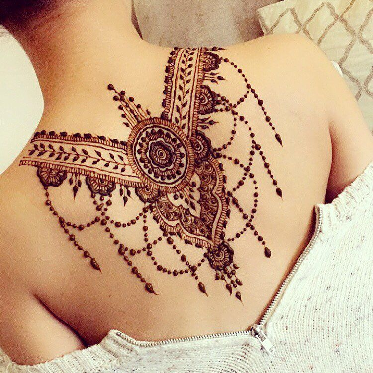 c38a22706d934 Back henna | 后背 | Back henna, Shoulder henna, Mehndi tattoo