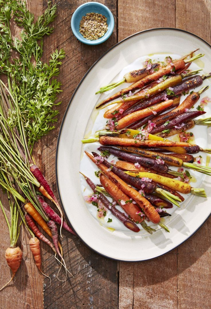 Are you looking for the perfect side dish for your Christmas dinner? We've got all the easiest recipes for your holiday. #christmasrecipes #christmasdinner #christmasparty #christmasappetizers