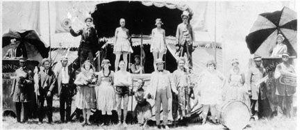 Performers posing  1920