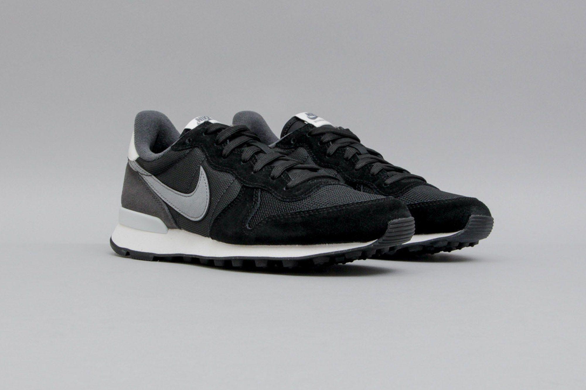 hot sale online 3d772 c2cfe Nike Wmns Internationalist Black Cool Grey Anthracite 828407 016 (Schwarz  Grau) from B V D S T