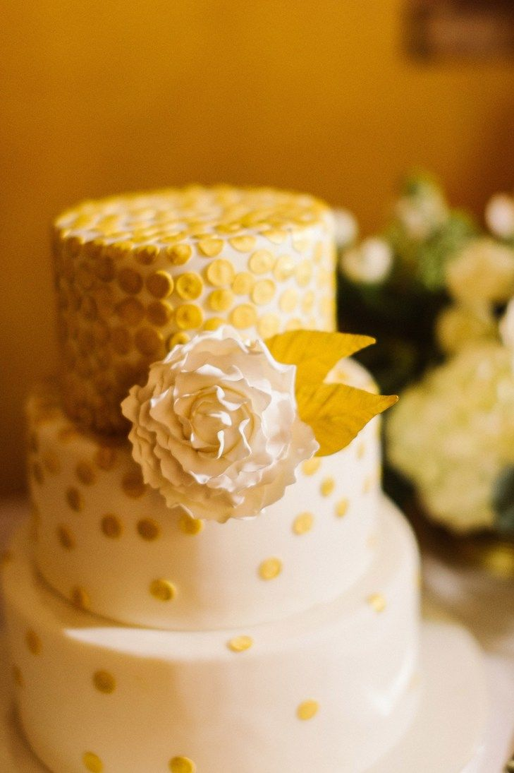 Gold and White Round Wedding Cake | Heather Jowett Photography https ...