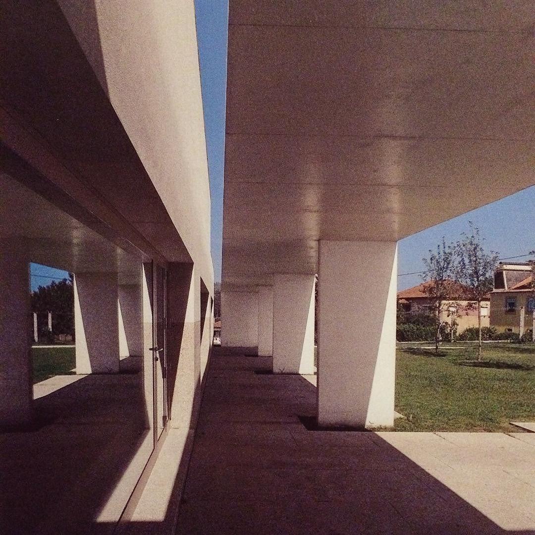 Lvaro siza casa de camilo vila nova de famalic o museo e centro studi dedicato allo scrittore - Casa camilo santiago ...