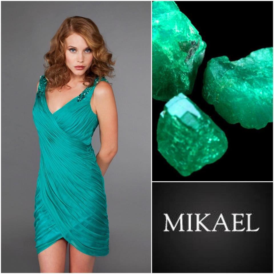 1a7caf8995b4 Pin από το χρήστη Mikael Evening Dresses στον πίνακα Dresses to Inspire