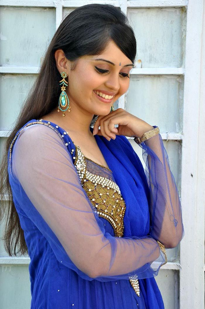 Looking Beautiful In Salwar Suit Indian Actress Surabhi -9030