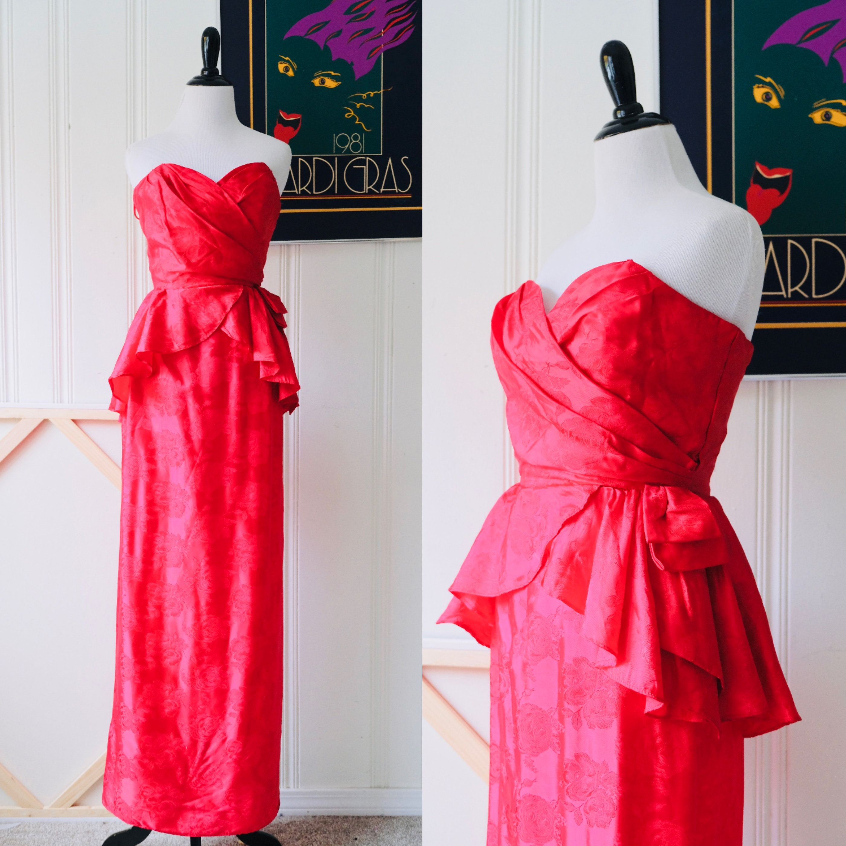 Just Listed 80s Does 40s Vintage Ilgwu Flirtations Long Red Satin Gown W Corseted Bodice And Peplum Small Size 4 Http Red Dress Red Satin Dress 80s Prom Dress [ 2800 x 2800 Pixel ]