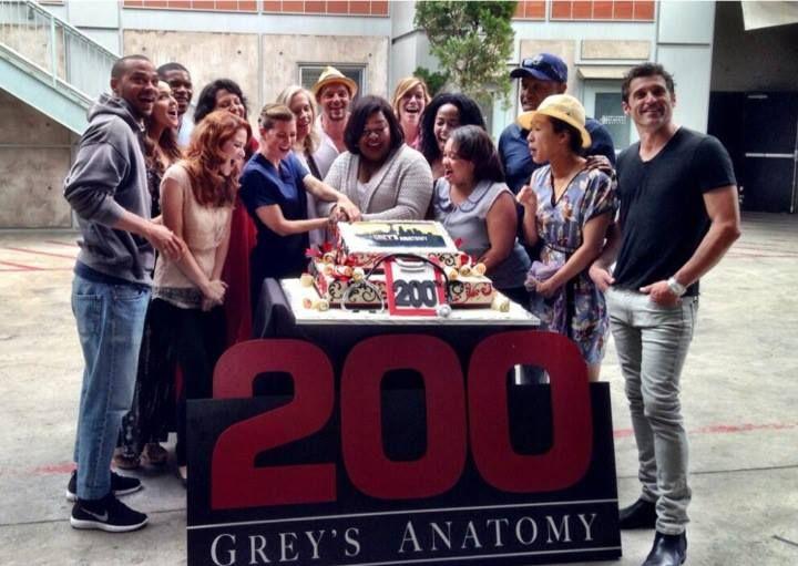 Sara Cake Cutting | Grey\'s Anatomy ❤ | Pinterest