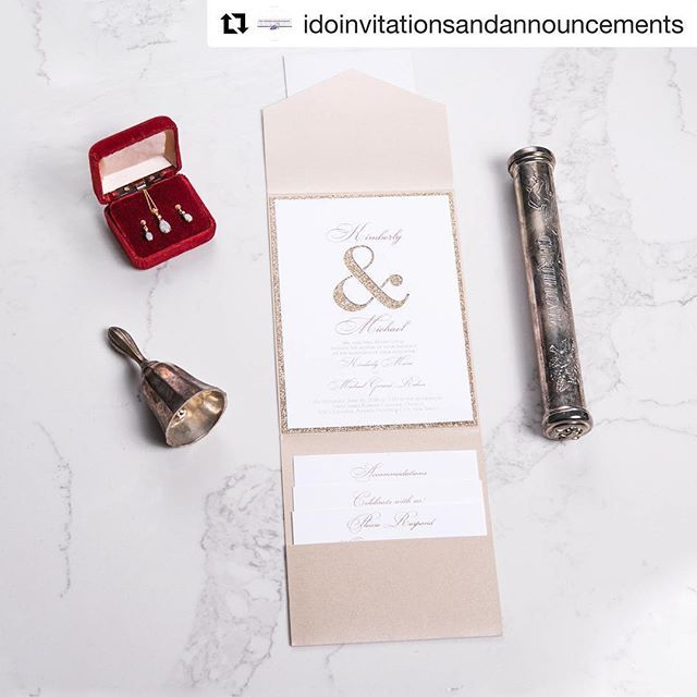 Carlson Craft Pocket Wedding Invitations: How Beautiful Is This Ensemble? The Pocket Really Pulls It
