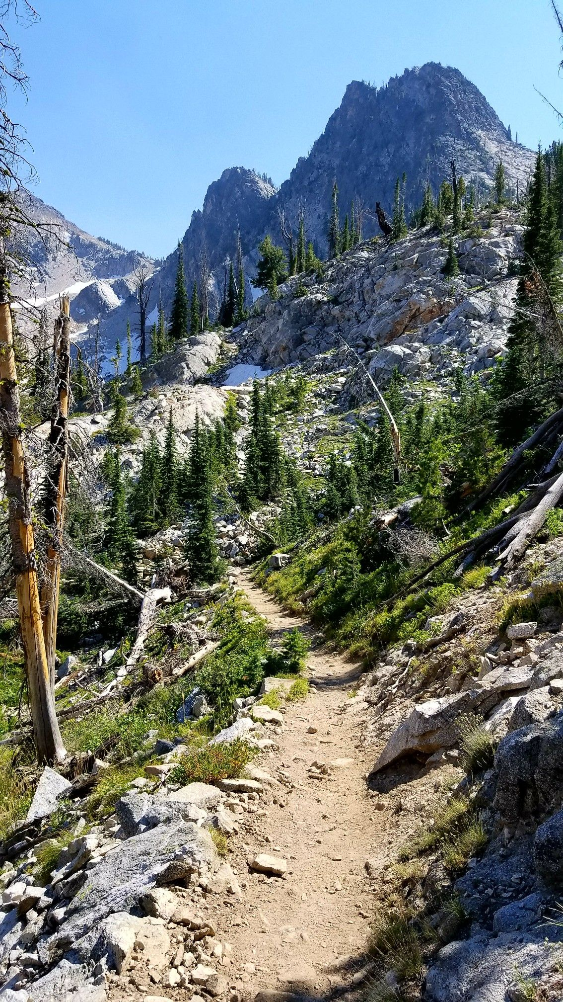 Up above Alpine Lake in Sawtooth National Forest | Travel in 2019