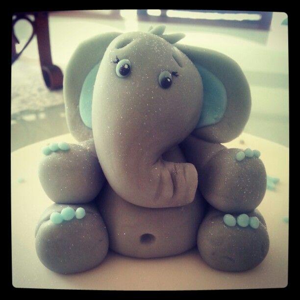 Elefante bebé en fondant