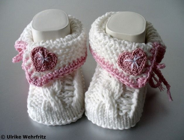Babyzimmer Landhausstil ~ Babyschuhe landhaus knitting pinterest knit baby shoes