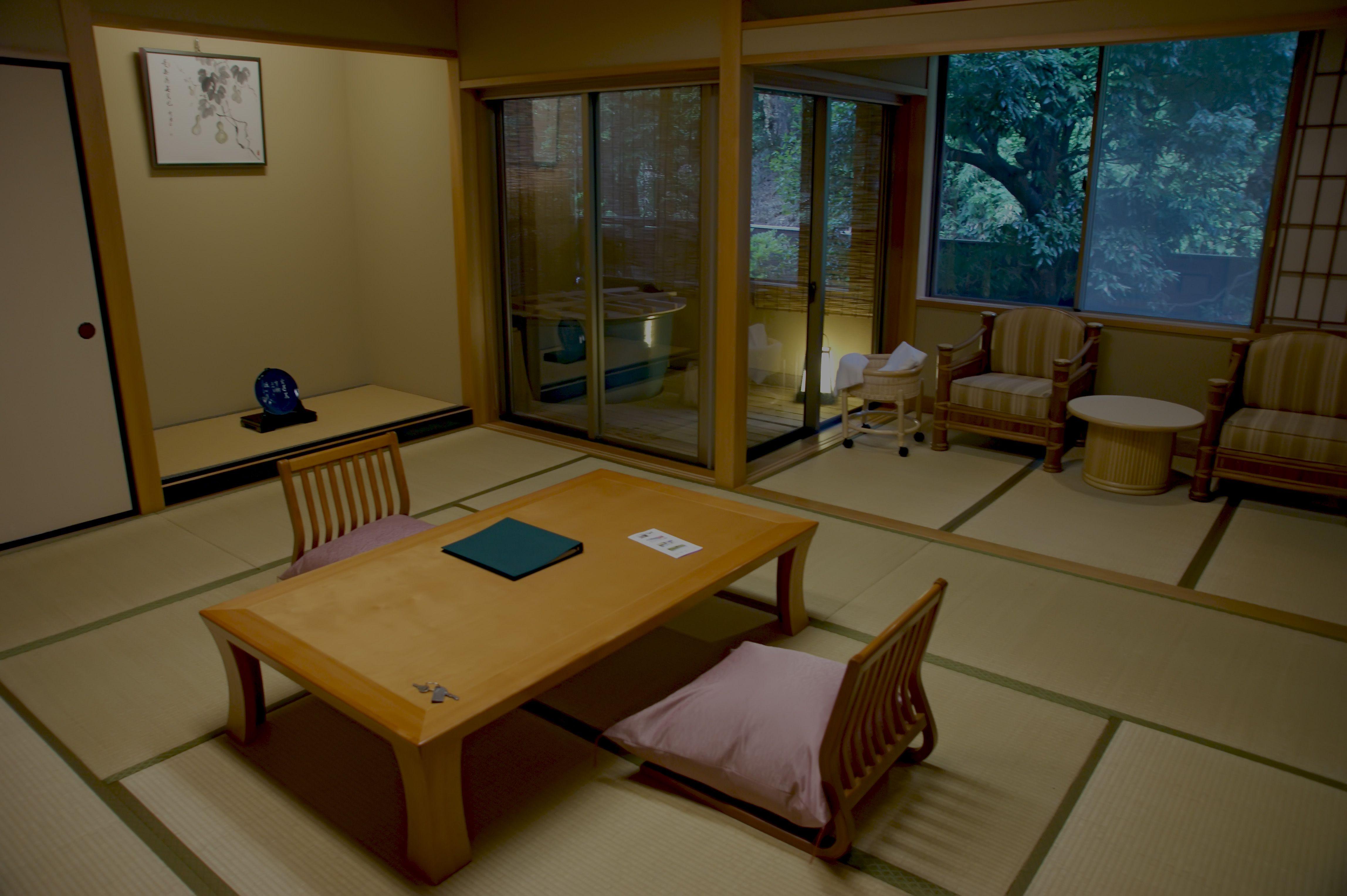 Minimalist Traditional Interior Living Room Design Ideas The