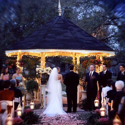 Night Wedding Outdoor Venue At San Francisco Plantation In Garyville LA