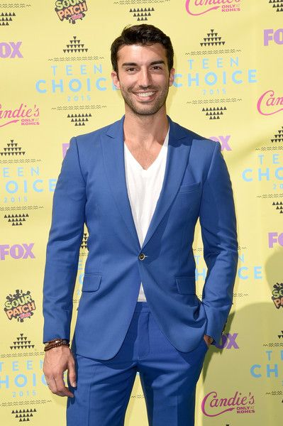 Actor Justin Baldoni attends the Teen Choice Awards 2015 at the USC Galen Center on August 16, 2015 in Los Angeles, California.