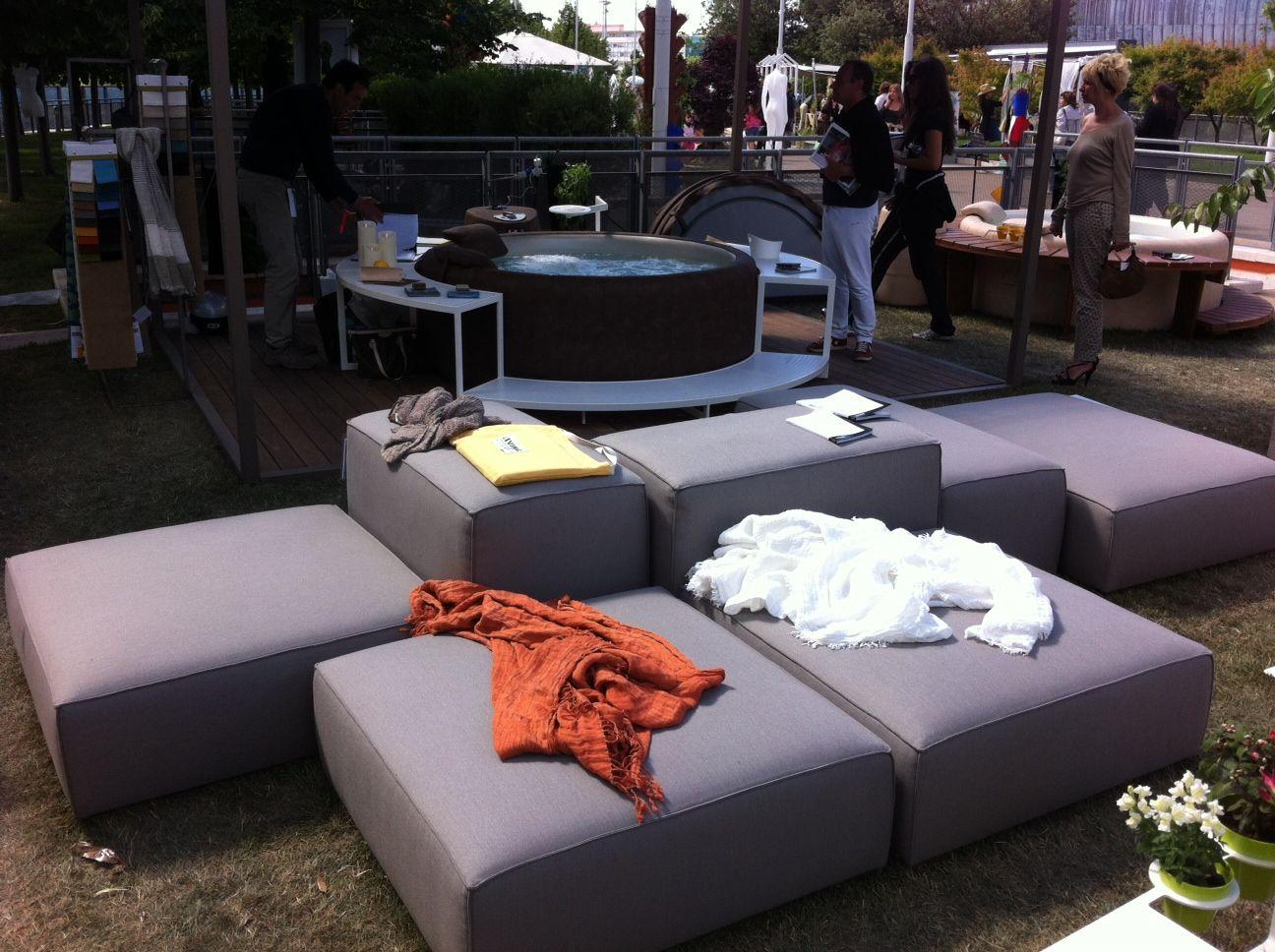 Foto divano da esterno componibile Living Divani con tessuto ...